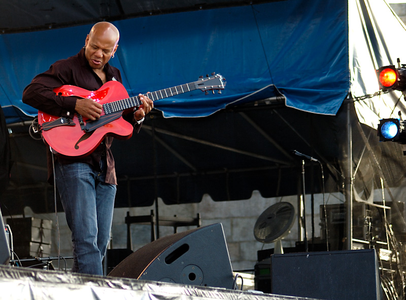 Mark Whitfield performing with Chris Botti at the Newport Jazz Festival