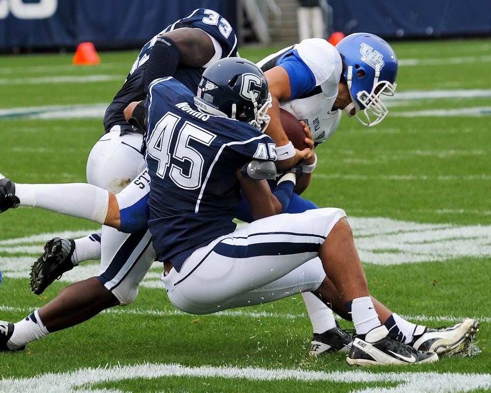 UCONN defensive play against Buffalo
